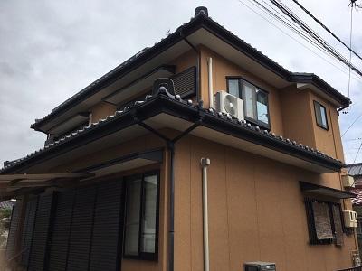 名東区で施工した下屋根漆喰工事の外観写真