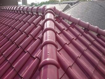 洋瓦の屋根の点検の様子