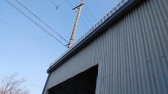 工場の大型雨樋の交換工事完工の様子