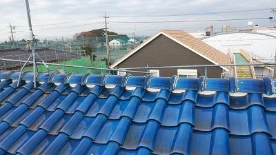 雨風で劣化した屋根の棟と垂木交換工事