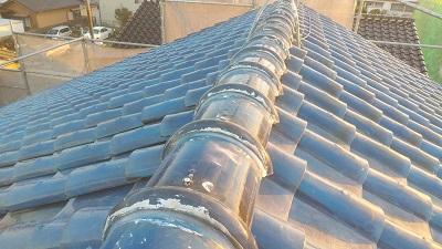 雨風で劣化した屋根の棟と垂木交換工事施工後の様子