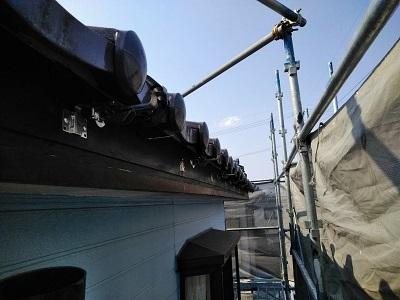 雨樋に歪みが生じたお宅の雨樋交換工事の施工中の様子