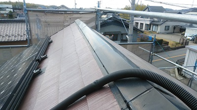屋根の棟部の貫板交換工事施工後の様子