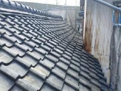 屋根の葺き替え工事前の様子