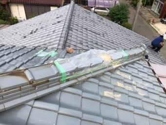 台風の影響で瓦が飛んでしまったお宅の様子