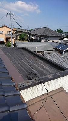 施工前のトタン屋根