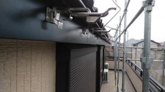 特殊な角樋を交換の施工中の様子
