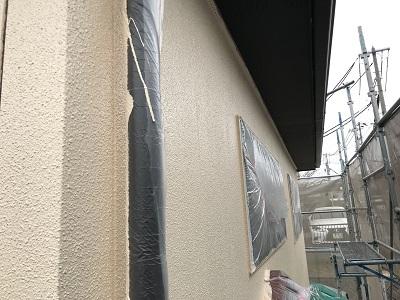 外壁塗装の中塗り上塗りの様子