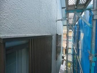 外壁塗装工事中の様子
