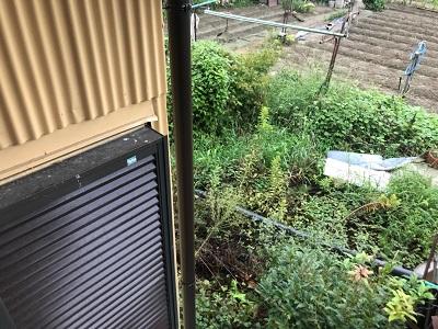 金具が外れて歪んだ雨樋の交換工事完工の様子