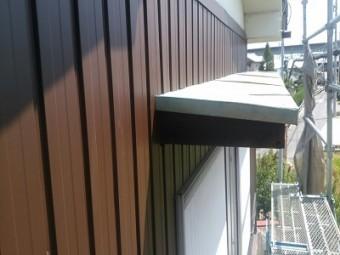 トタン壁のお宅の外壁の重ね張り工事施工後の様子