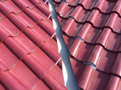 谷板金交換後の屋根