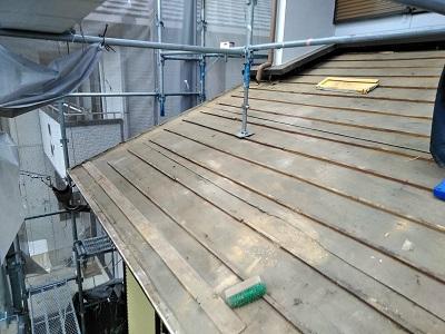 下屋根の解体が完了した様子