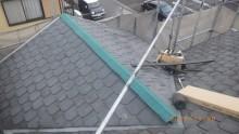 台風被害による板金飛散の工事の施工中の様子