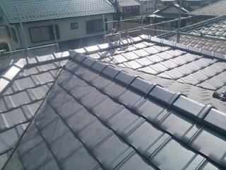 平板瓦屋根完工の様子
