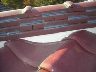 屋根漆喰工事の施工後の屋根の棟