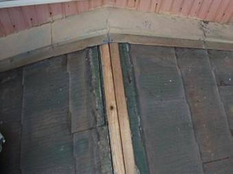 屋根 カバー工法 施工中