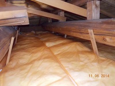 屋根断熱材設置後の小屋裏