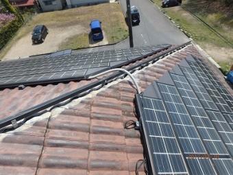 屋根棟組み替え樹脂垂木の設置