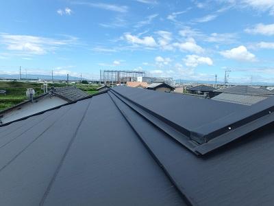 現地調査中の屋根