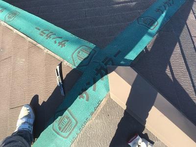板板金工事の防水シートの様子