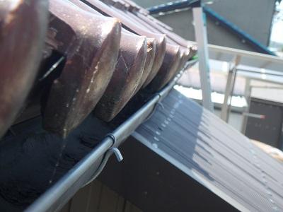 積雪に被災された雨樋の交換工事完工の様子