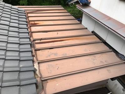 屋根補修工事の施工前の様子