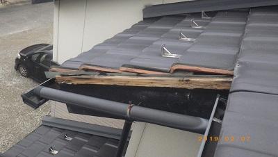 台風被害にあったお宅の棟瓦取り直し工事施工後の様子