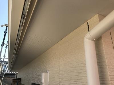 外壁塗装と雨樋工事完工の様子