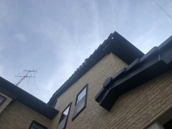 自然災害で破損した屋根の点検の様子