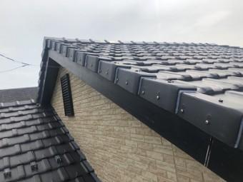 自然災害で破損した屋根の完工の様子
