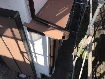 劣化した雨樋の交換工事完工の様子