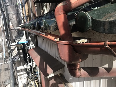 軒樋交換工事施工前の様子