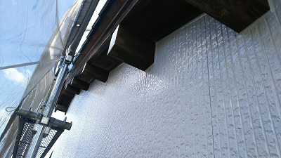 高耐久塗料での外壁塗装工事完工の様子