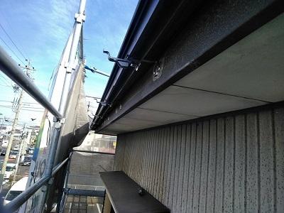 千種区にてボロボロのカラーベスト屋根に重ね葺きを施工しました