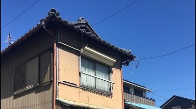 雨樋が落下した屋根