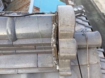 ボロボロに漆喰が破損した役物