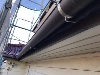 木部と庇の付帯塗装工事施工後の様子