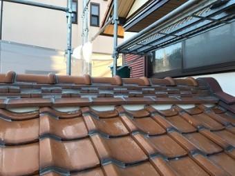 屋根の漆喰塗り直し工事完工の様子
