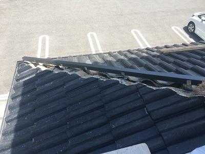棟の組み換え工事の樹脂垂木設置の様子