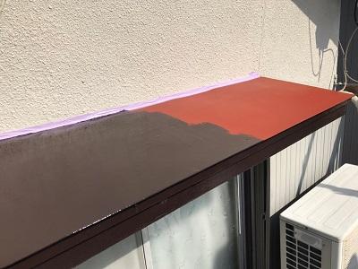 経年劣化による霧よけ庇の塗装工事施工後の様子