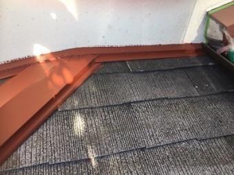 錆止めを塗装した雨押え板金