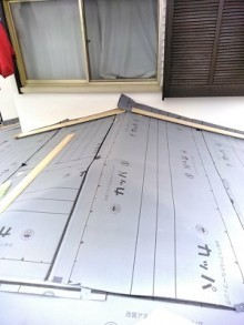 屋根葺き替え工事 ルーフィング 防水シート