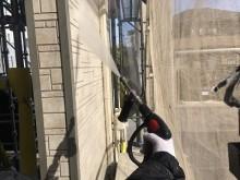 外壁塗装工事の外壁洗浄の様子