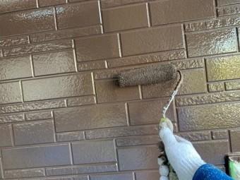 外壁塗装工事の施工中の様子