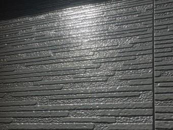 外壁の塗装工事完工の様子