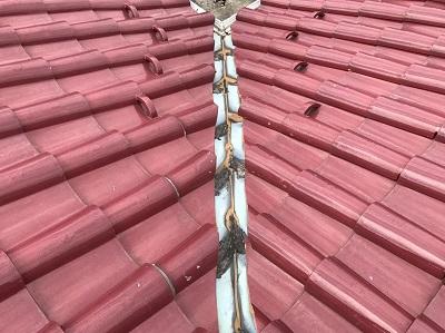 谷板金交換前の屋根(別角度)