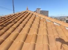 大きくずれているの洋屋根の棟瓦の様子