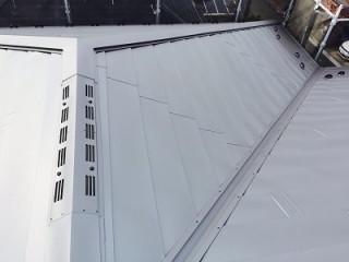棟換気付き屋根