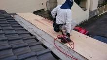 葺き替え時の防水シート施工中①